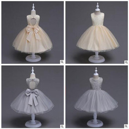 Barato O Concurso Mostra O Bebê-Retail Girls Pageant Vestidos Lace Big Size Bow Flower Girls Dress Backless Princesa Casamento Party Kids Costume Baby Girls Roupas Vestuário