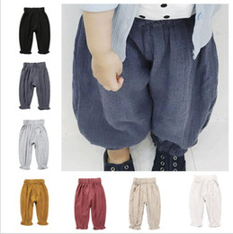 Barato Leggings Bloomer-Roupa de bebê Algodão Linho Bloomers Toddler Harem Pants Kids Fashion Pants Boys Casual Leggings Girl Tights Newborn Cropped Trousers B2388