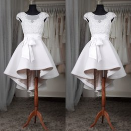 $enCountryForm.capitalKeyWord Canada - Real Photos 2017 Modest Short Beach Wedding Dresses Cheap Sheer Neck V Back Zipper With Sash High Low Country Bridal Gowns Custom EN6283