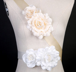 Ciseaux De Mariage Blanc Pas Cher-Big Flower Ceintures en satin blanc ou marron Ceinture nuptiale Wedding Bridesmaid Sash 2017 New Arrival Bride Accessories