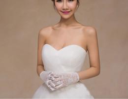 $enCountryForm.capitalKeyWord NZ - Short White ridal Gloves Wedding Gloves In Stock Wedding Accessories Wrist Length Full Finger 2017 Popular