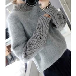 5daf38e54562 Al por mayor-angora suéter mujer jerseys de punto de manga larga de cuello  alto de invierno suéter de angora femenina mezcla gruesa abrigo de punto  casual