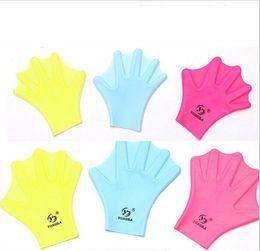 2017 HOT Взрослые дети плавание силиконовые перчатки плавание обучение дайвинг перчатки утка пальмы мужчин и женщин воды перчатки