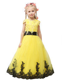 $enCountryForm.capitalKeyWord UK - 2020 Pageant Dress Little Princess Glitz Ball Gown Lace Yellow Ball Gown Cute Flower Girl Dress With Black Sash