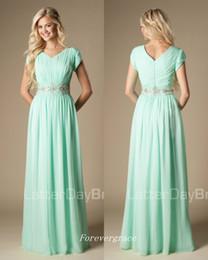 Großhandel Hochwertige Perlen Mint Green Brautjungfer Kleid bescheidenen A-Line Chiffon formale Trauzeugin Kleid Hochzeitsgast Kleid nach Maß plus Größe