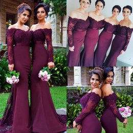 Barato Barato Sereia Vestidos Mangas-2017 Maroon Beads Mermaid Bridesmaid Dresses Off Shoulder Lace Long Sleeve Applique Cheap Custom Made Bridesmaids Wedding Dress