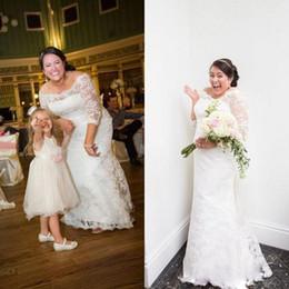 $enCountryForm.capitalKeyWord Canada - Plus Size Wedding Dresses 2017 Lace Off Shoulder Floor Length Maxi Mermaid Bridal Gowns With Sleeves For Fat Brides Vestidos De Novia
