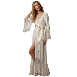 Barato Xl Tamanho Roupas De Dormir-Hot Selling Long Sleeves Robe For Bride and Bridesmaids Lace Soft Chifon Cetim Womens 'Sleepwear Com Sash Custom Made Size S-XL