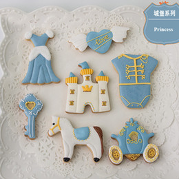 Pastry Cutters Australia - 8pcs Princess Castle Vehicle cortador de biscoito Kitchen Moldes Metal Cookie Cutter Fondant Cake Decorating Tools Pastry Chocolate Mould