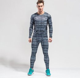 Medias Respirables Baratos-Hombre Athletic Fitness Gimnasio Running Suit Hombre Ropa Tight Respirable Quick Dry Sportswear Deportes al aire libre Elasticity Sets