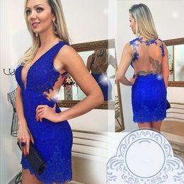 Mini Robe Bleue Sans Dossier Pas Cher-Sexy Sheer Backless Royal Blue Lace Robes de cocktail 2017 Mini Short V Neck Appliqued Club Wear Gowns Homecoming Robes
