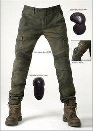 Pantalones de la motocicleta del envío gratis pantalones vaqueros del motorpool pantalones casuales verdes del ejército con 4 pedazos de engranajes de la protección que compiten con los pantalones en venta