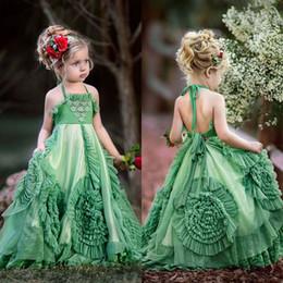 0e3ca5e60 Boho Ruffles Vestidos para niñas de flores para bodas Vestidos cabestro  cabestro de una línea Hunter Green Beach Cumpleaños Vestidos de primera  comunión