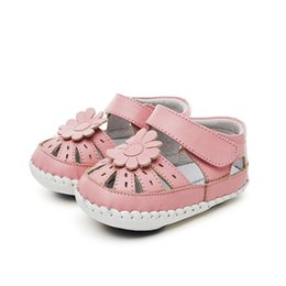 Hot pink flower girl shoes canada best selling hot pink flower baby sandals 3d flower infant first walkers girls summer beach fashion shoes white pink soft toddler hot sale mightylinksfo
