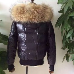 Barato Parka Com Capuz Branco Feminino-Mulheres M33 Luxo Brand White Duck Down Coats Black / Red Down Casacos 100% Real Grande Raccoon Fur Collar Hooded Thick Duck Down Parkas