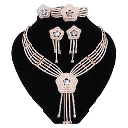 wholesale boho fashion UK - Women Imitation Pearl Jewelry Set Trendy Statement Necklace For Party Wedding Boho Crystal Fashion Link Chain Direct Selling