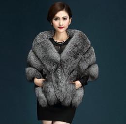 a74b7b78c61c 2016 Mais Recente do Inverno Casacos De Pele Do Falso luxo imitação de pele  de raposa vison poncho vestido de noiva de noiva xale capa mulheres colete  ...