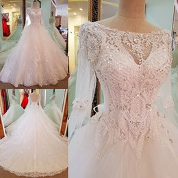 Basque En Dentelle Pas Cher-Shinning majeur Beading Robes de mariée A Line Sequins Sheer Neckline Long Sleeves Robe de mariée Long Tulle Low Back Lace Up Robes de mariée