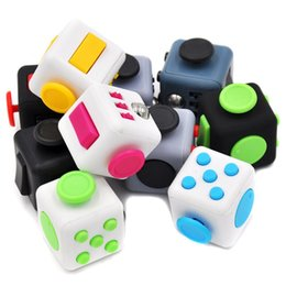 Barato Brinquedos Divertidos-Mini Fidget Cube Vent Toy Anti Stress EDC Keychain Squeeze Fun Stress Reliever Clique Glide Flip Spin Breathe Roll 11 Colors