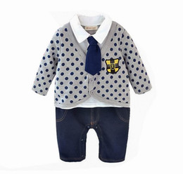 Barato Laço Do Bebê Um-Varejo Spring Autumn Baby Boys Rompers Tie Long Sleeve Dots Stripe Gentleman One Piece Jumpsuits Overalls Toddler Clothes 13487