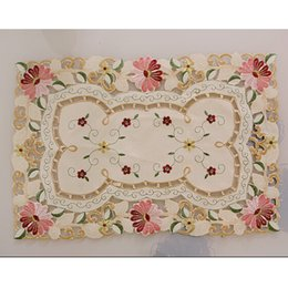 modern table mats NZ - Wholesale- yazi 4PCS Embroidered Daisy Flower Lace Rectangle Doily Mat Fabric Table Placemats Wedding Banquet Decor 4PCS