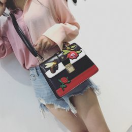 China Brand designnew vogue female bag summer flowers bees embroidery handbag euramerican fashion embroidered leather handbag free shipping supplier blue bee flowers suppliers