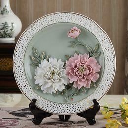 $enCountryForm.capitalKeyWord Canada - Chinese ceramic decoration art creative peony hanging plate filled living room decorative gift Home Furnishing disc bracket