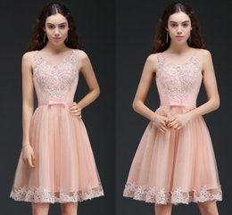 Barato Barato Pêssego Curto Vestidos-2018 New Cheap Peach Short A Line Vestidos Homecoming com Appliques de laço Beaded Knee Length Cocktail Party Vestidos Prom Dresses Online CPS666