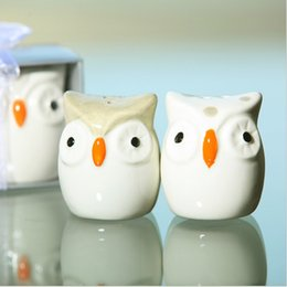 Animal Cake Designs Canada - Hot Selling OWL-Always Love U salt and pepper shaker Seasoning pot new designs in good price high quality free shipping