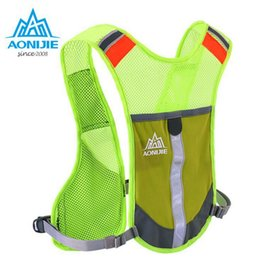 China Wholesale- AONIJIE Men Women Lightweight Running Backpack Outdoor Sports Trail Racing Marathon Hiking Fitness Bag Hydration Vest Pack supplier women hydration backpack suppliers