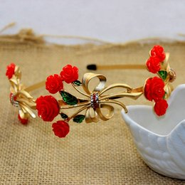 Barato Acessórios Para Cabelo Nupcial De Strass Vermelho-Jóias barrocas de cabelo estilo 2017 Gold Crystal Rhinestone Red Rose Hairband Mulheres Casamento Crown Hair Accessories Headbands Tiara nupcial