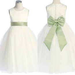 Habille Les Enfants Blancs Verts Pas Cher-2017 Real Photo Bows Green Sweety A-Line Simple Flower Girls pour robes de mariée White Tulle Ribbon Jewel Tea-Length Communion Gown For Kids