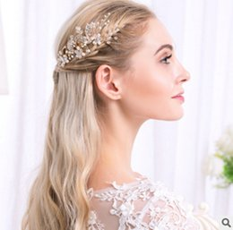 $enCountryForm.capitalKeyWord Canada - Dropshipping The new listing of European and American high-end pearl ornaments handmade Rhinestone Hair Pin bride leaves