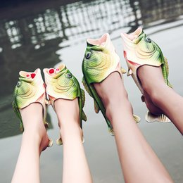 ce9a609199a 2017 Hot Summer New Pattern Creative Simulation Fish Slippers Open Toe Flat  Couple Models Sandy Beach Shoes baby women men size 31-44