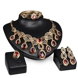 China Red Gemstone Necklace Earrings Rings Jewelry Sets Gold Chain Pendants Crystal Statement Jewelry Wedding Jewelry for Bride Drop Shipping suppliers