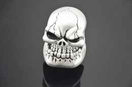 $enCountryForm.capitalKeyWord NZ - Universal Gear Shift Knob Universal Silver Manual Gear Stick Shift Shifter Lever Knob Wicked Carved Skull Mask Free Shipping