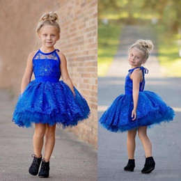 Applique Vestidos De Encaje Infantil Baratos-Royal Blue Sheer Toddler Infant Girls Pantalones Vestidos Halter encaje Appliques Bead Partido de la boda con gradas de longitud de la rodilla Little Cupcake Gowns