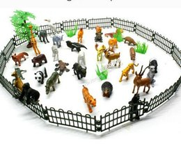 Zoo di simulazione di piccoli animali di plastica 32pcs / set Contenenti vari tipi di giocattoli di animali di recinzione per bambini piccoli