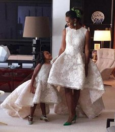 Kids Prom Dresses Straps Canada - Pretty 2017 White Ball Gown Mother And Daughter Dresses Appliques Kids Evening Gowns Prom Dresses Puffy Lady Gowns