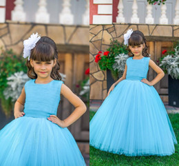 Anniversaire Belle Balle Pas Cher-2017 Beautiful Flower Girl Robes Blue Tulle Sash Vintage Ball Gown Little Girls Pageant Robes d'anniversaire
