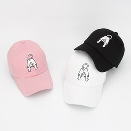 Manufacturers selling 2017 Korean baseball cap autumn adult outdoor sports  gift hat wholesale manufacturers peaked cap 5bb219dedfb6