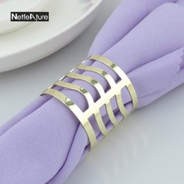 $enCountryForm.capitalKeyWord Canada - Wholesale- 6PCS Metal Alloy Gold And Silver Round Napkin Rings For Wedding Banquet Napkin Holder Serviette Buckle Dinner Table Decoration