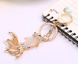 $enCountryForm.capitalKeyWord Canada - Cute Goldfish Fish Crystal Rhinestone Key Chains Rings Holder - Gold Fish Charm Pendant Purse Car Key Ring Keychain Party Favorite Gift