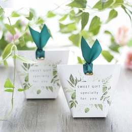 $enCountryForm.capitalKeyWord NZ - Unique European Paper favor holders Forest series candy boxes for wedding party guests Free shipping 50pcs lot wholesales