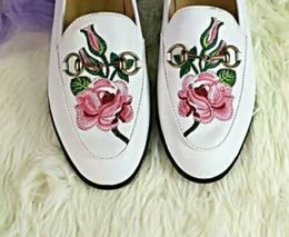 $enCountryForm.capitalKeyWord NZ - u721 40 black white genuine leather rose snake lip heart shaped loafer flats shoes casual luxury classic fashion designer