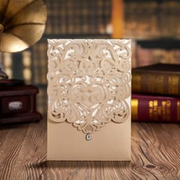 $enCountryForm.capitalKeyWord UK - Vertical Gold Classic Style Engagement Wedding Invitations Cards With Rhinestone Elegant Laser Cut Flower Birthday Party Cards CW5010