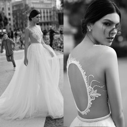 Robe De Mariée Vintage En Dentelle Ouverte Pas Cher-Sexy Gali Karten 2018 Open Back Robes de mariée Sheer Neck Crystal Lace Appliqued Boho Robes de mariée Vintage Sweep Train Wedding Dress