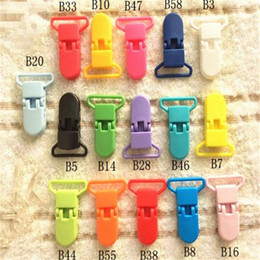 Discount plastic suspender clips wholesale - Baby Pacifiers Holders D Shape Baby Feeding Clip Plastic 2.5 CM Baby Suspender Clips Pacifier Dummy Soother Chain Holder