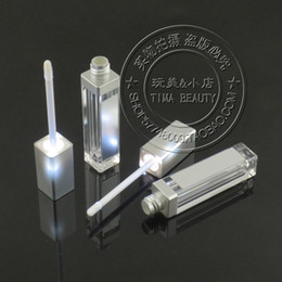 Chinese  Wholesale- High Quality Acrylic LED Lip Gloss Bottle With Mirror On It manufacturers