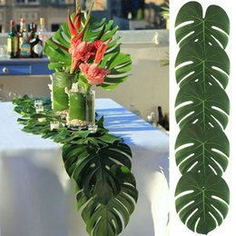 Wholesale New Creative set Artificial Tropical Palm Leaves for Hawaii Party Decorations Beach Theme Wedding Table Decoration Accessories